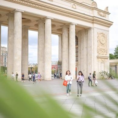 Разговорный немецкий в Парке Горького: «Что делает фотографию искусством?»