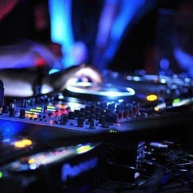 Лекция «Электронная музыка: как ее понять?»