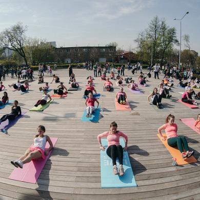 Йога возвращается в Парк Горького