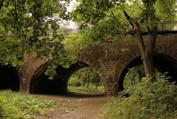 Big, Medium and Little (Grotesque) Stone Bridges